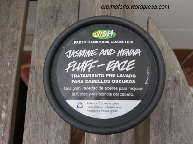 LUSH Jasmine and henna fluff-eaze 4