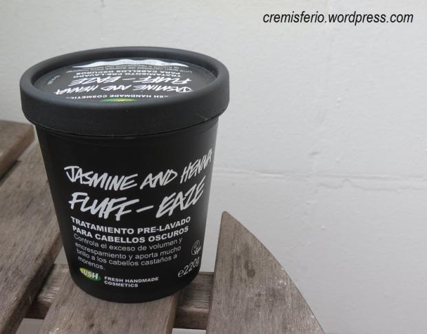 LUSH Jasmine and henna fluff-eaze